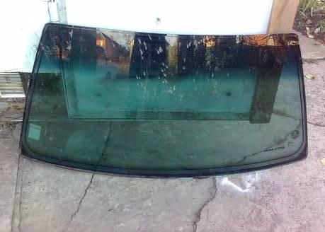 Металлический молдинг лобового стекла