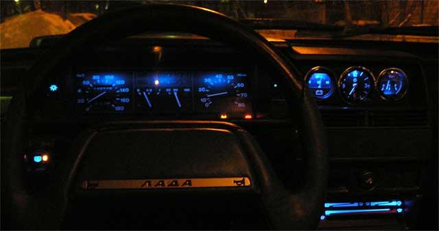 Переделка панели и подсветки приборов на Ваз 2107 Тюнинг и ремонт Ваз-2101-07.